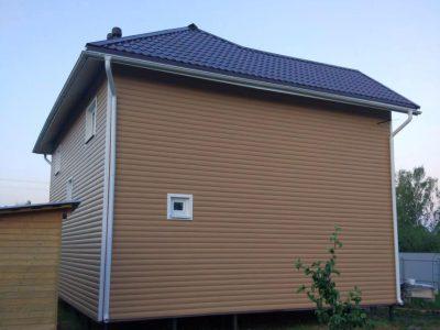 Отделка фасадов сайдингом, устройство водосточной системы